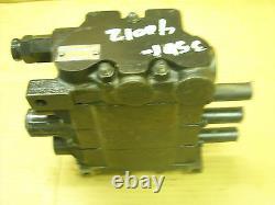 Commercial Hydraulics 3 spool, 4 way valve Hyundai H70, H80, makes good oader vlv