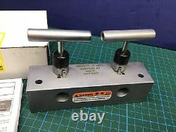 Enerpac AM21 Hydraulic Split Manifold Valve, 2 Way, 5 Port, 10000 PSI