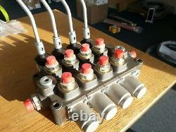 Galtech SPA hydraulic directional valve. Four bank, double acting