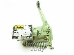 Parker D3T1H21X4236 Hydraulic Directional Control Gate Valve Spring Roller Lever